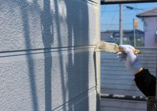 外壁塗装(ガイナ)中塗り