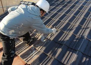 屋根ハイルーフマイルドシリコン下塗り